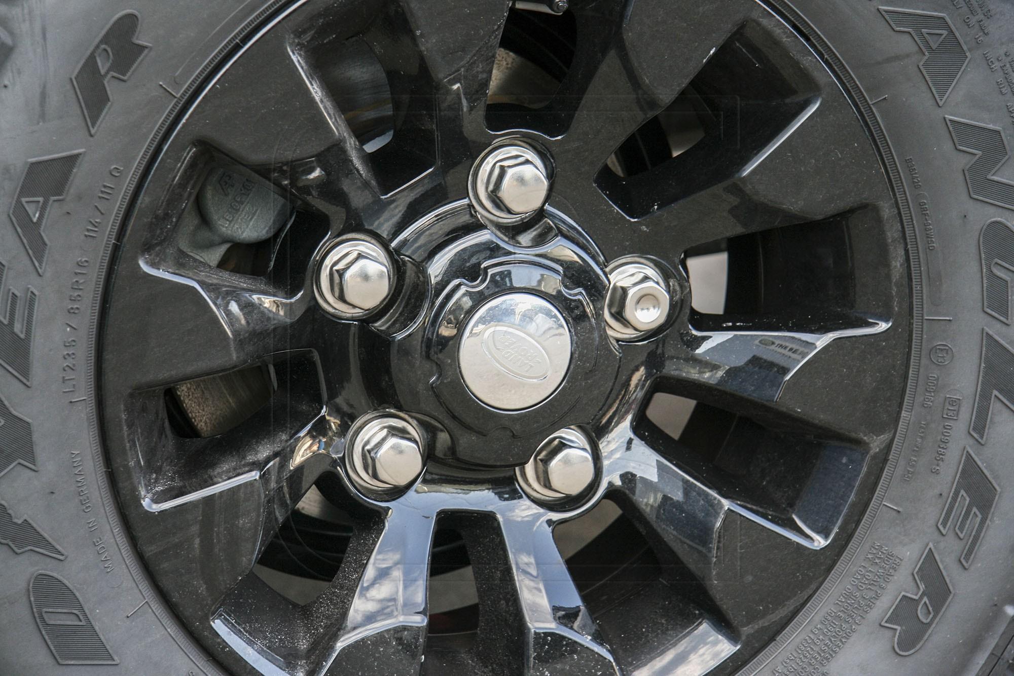 Wheel nut for alloy rim for Land Rover