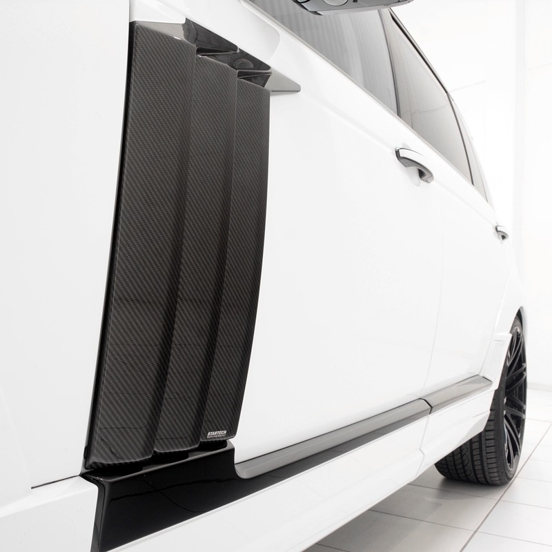 STARTECH Carbon Door attachment in high-gloss finish for Range Rover from 2013